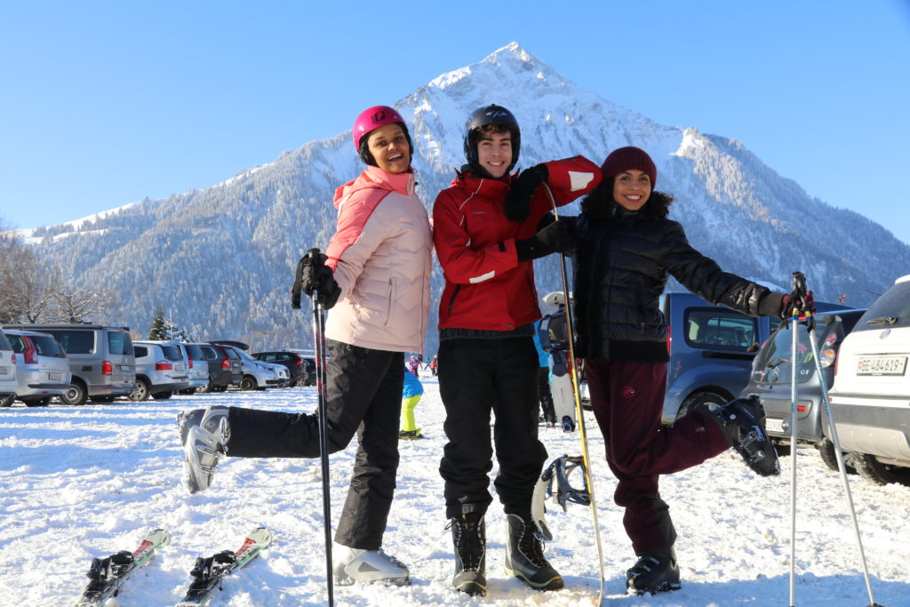 no inverno esquiar e snowboard